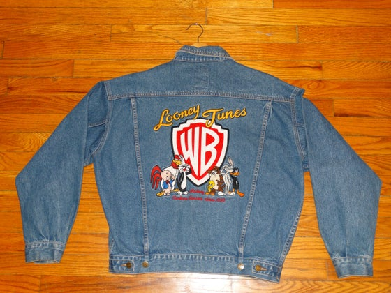 Image of (M) Deadstock Ladies 90's Looney Tunes Embroidered Jean Jacket
