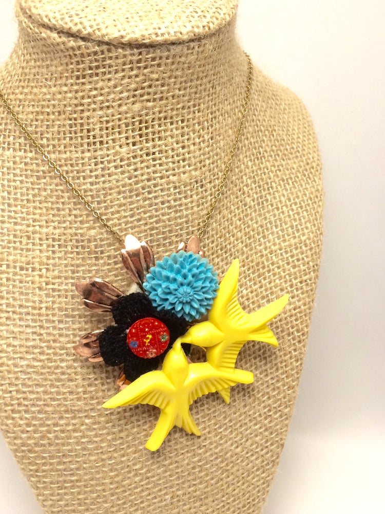 Image of Sparrows And Blooms Brooch/Necklace