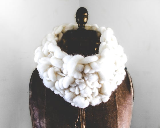 Image of Cream Cowl