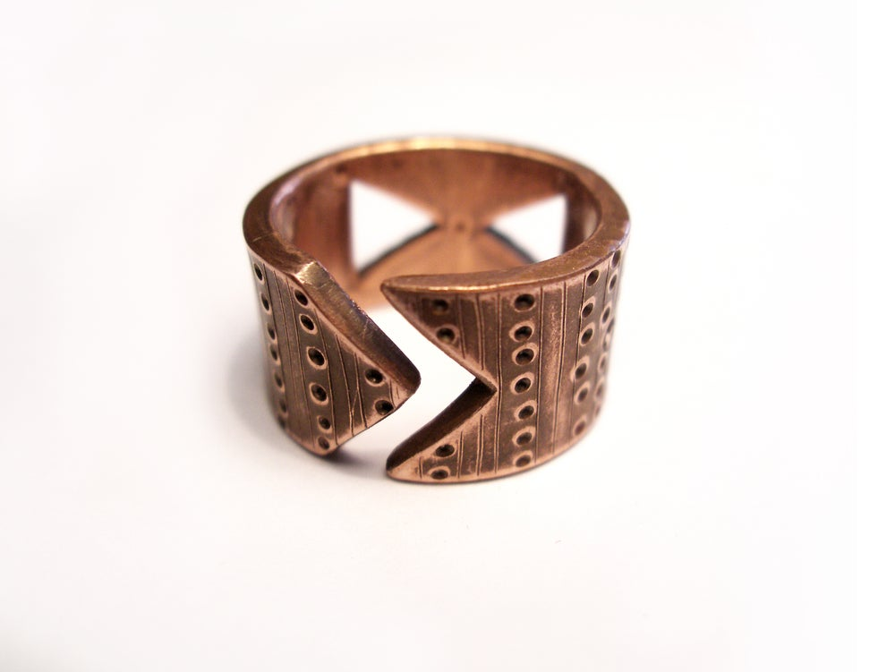 Image of BAND 12 RING: INFINITY + HIVE (COPPER)