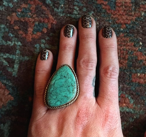 Image of TURQUOISE AND STERLING SILVER RING