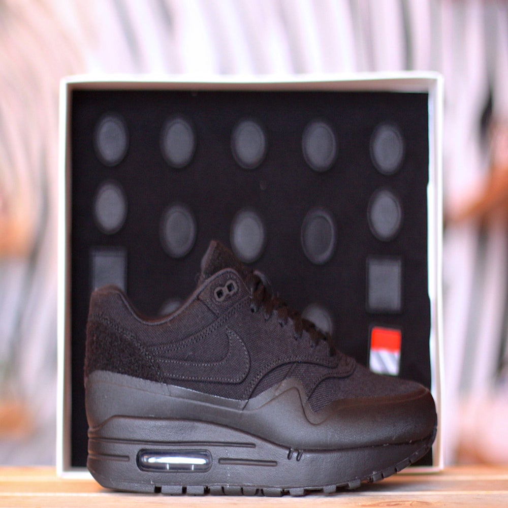 "Image of NIKE AIR MAX 1 V SP TZ ""BLACK PATCH"""