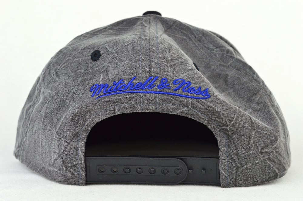 Image of MONTREAL CANADIANS CREASE XL LOGO MITCHELL AND NESS SNAPBACK CAP