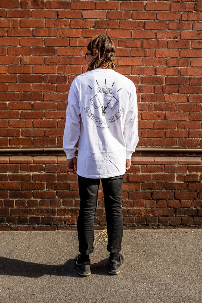 Image of WHITE LONG SLEEVE T-SHIRT
