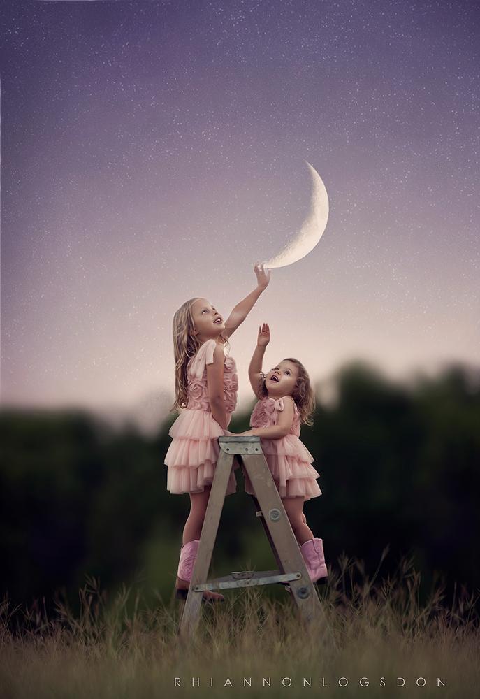 Image of 'Hang the moon' overlays