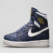 "Image of NIKE AIR JORDAN 1 RETRO ""JETER"""