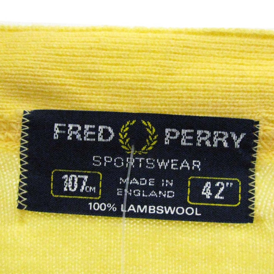 Image of <b>Fred Perry</b> <br> - <b>90s vintage cardigan</b>