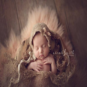 Image of Burlap layer