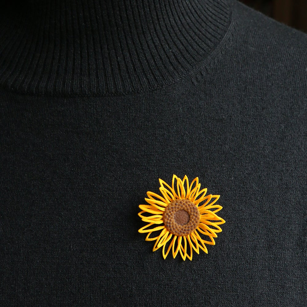Image of 3D printed Brooch Van Gogh Sunflower