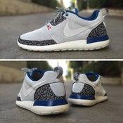 Image of True Blue Nike Roshe MENS SIZE 12