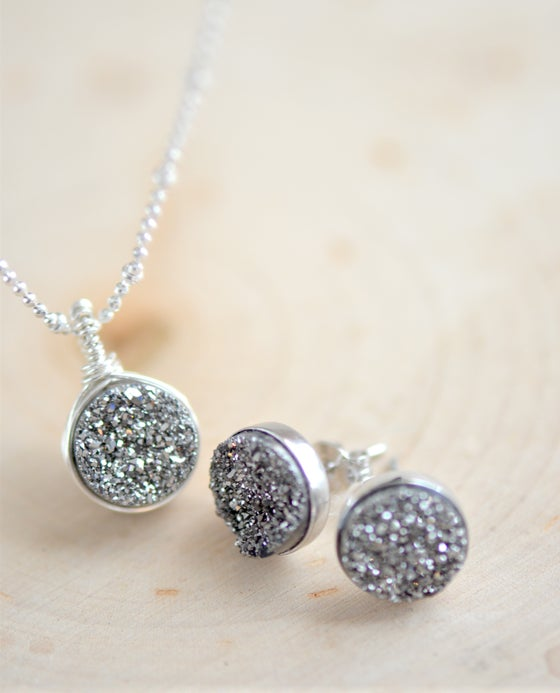 Image of Shimmering Silver Druzy Necklace & Earring Set
