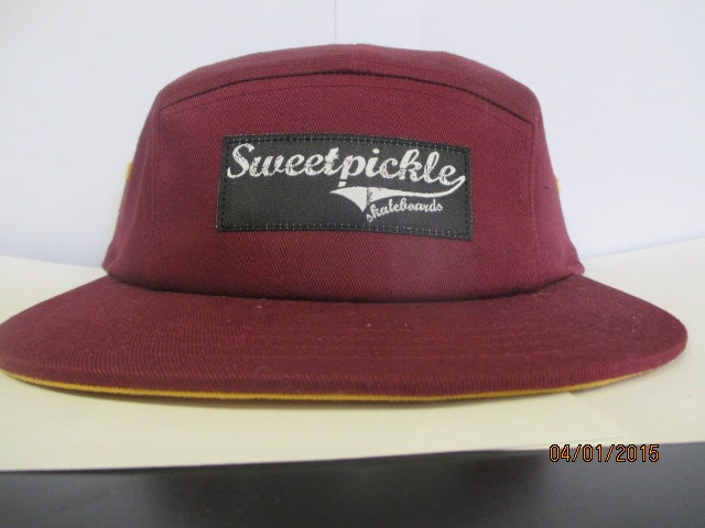 Image of 5 panel - maroon and gold