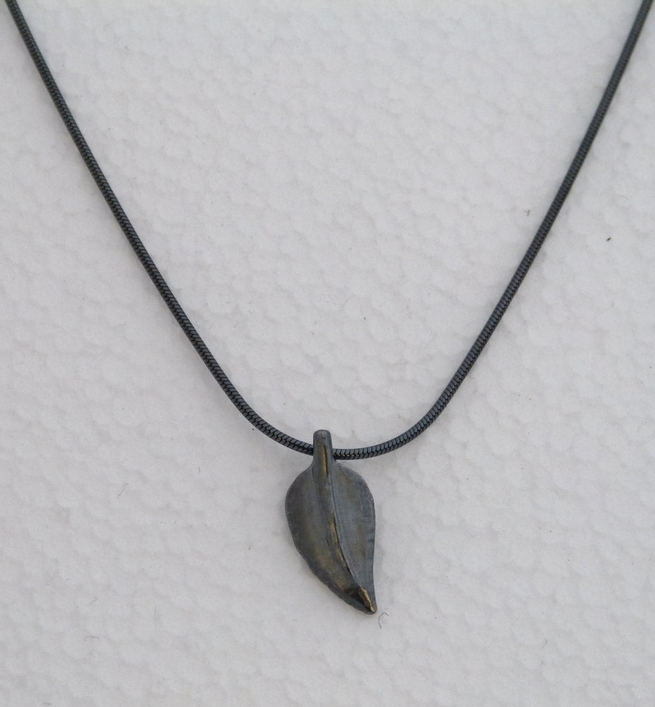 Image of Leaf pendant
