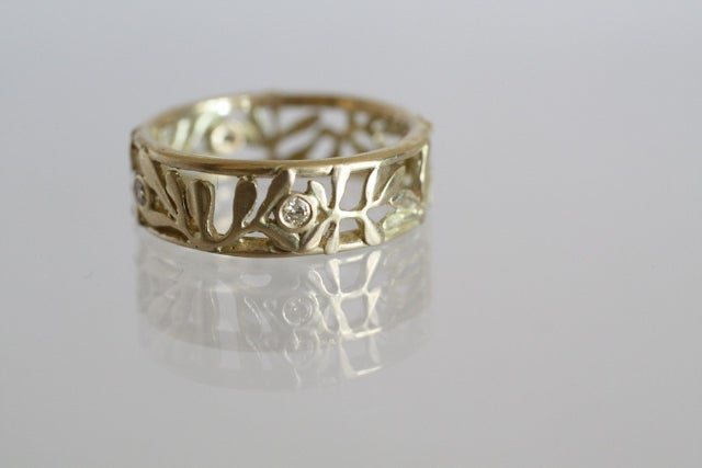 Image of Rue Leaf Ring with Diamonds