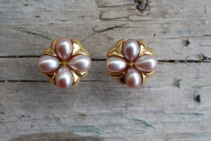 Image of Pearl Pod Earrings