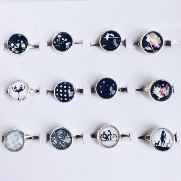 Image of Bague illustration collection Black and White