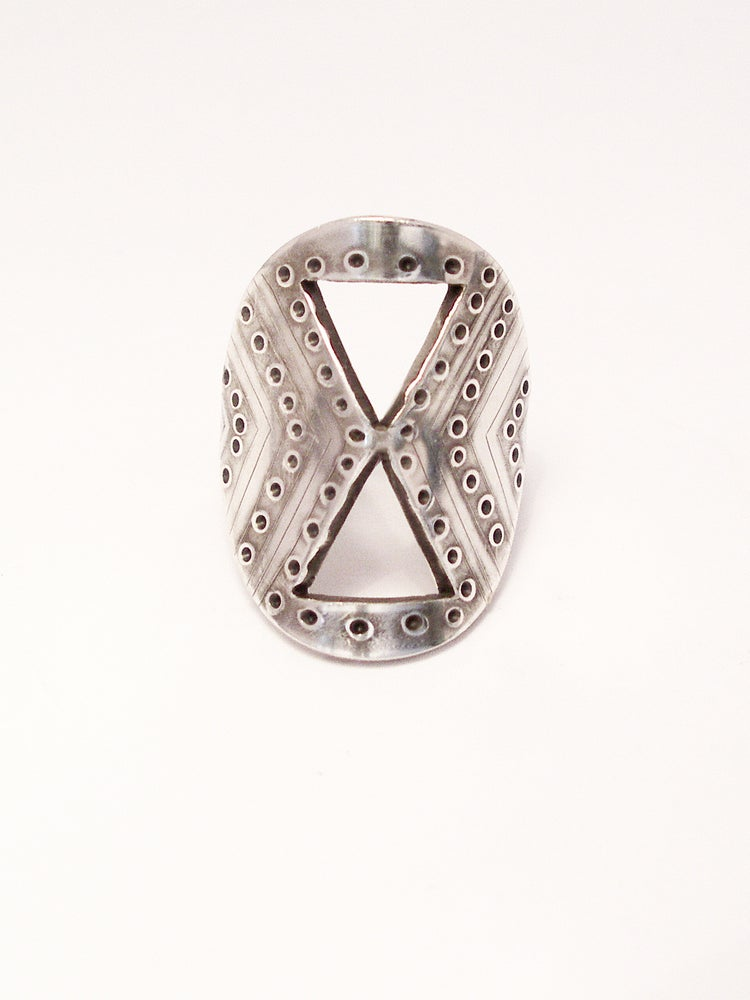 Image of SHIELD RING: SANDS OF TIME (STERLING SILVER)