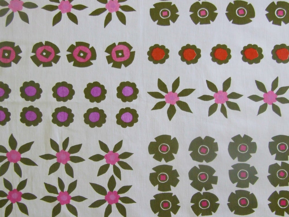 Image of Lucienne Day 'Poinsettia' fabric - fat quarter