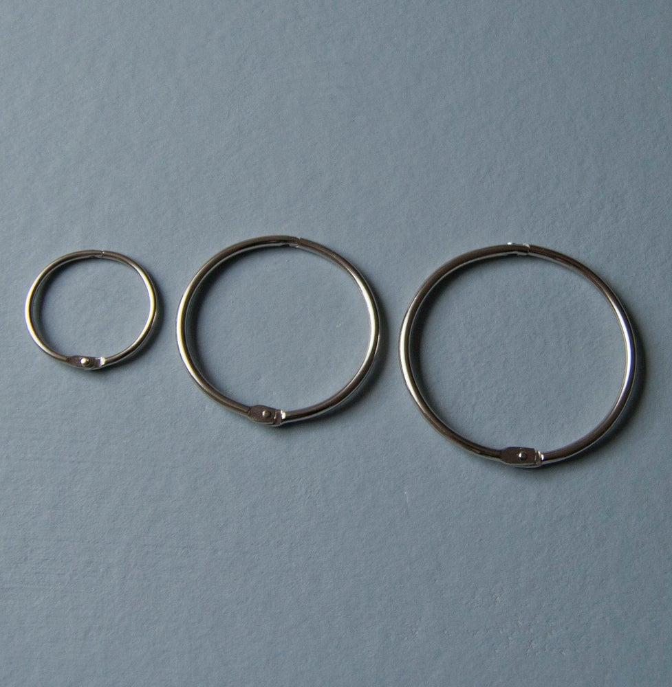 Image of Metalringe med klik åbning, Ø 3,8 cm - 6,0 cm - 7,5 cm