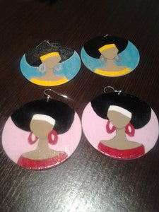 Image of afrolady with headband earrings