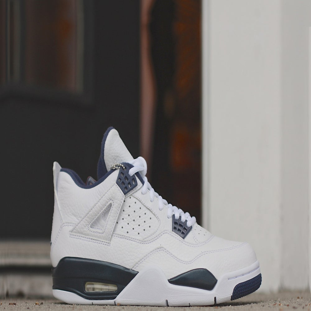 "Image of AIR JORDAN RETRO 4 LS ""COLUMBIA"""