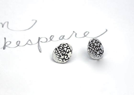 Image of oval tudor rose post earrings . E4