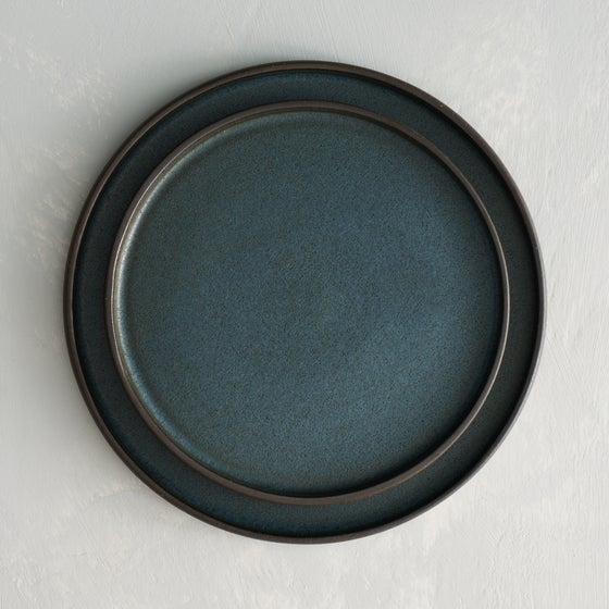 Image of Blue Moon plate set