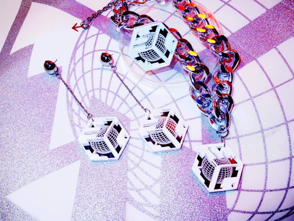 Image of DVMVGE WWiii 'DMG' Globe Accessories