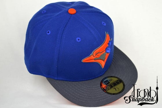 Image of TORONTO BLUE JAYS CUSTOM BLU/GRY/ORG NEW ERA 5950 FITTED HATY FITTED HAT