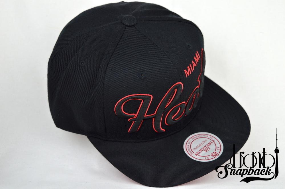 Image of MIAMI HEATS BLACK & RED MITCHELL & NESS SCRIPT STRAPBACK CAP
