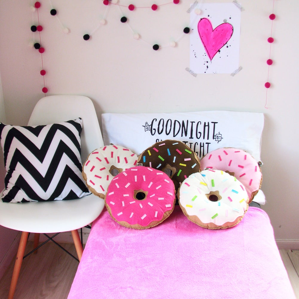 Image of ORIGINAL DONUTS - HOT PINK WITH LIGHT PINK SPRINKLES