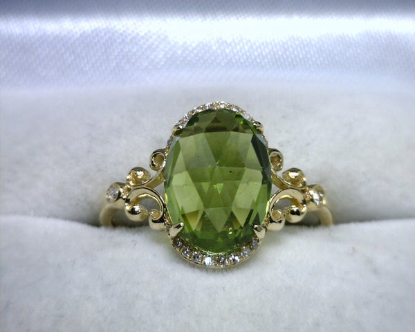 Image of 14K Yellow Gold Peridot / Diamond Ring