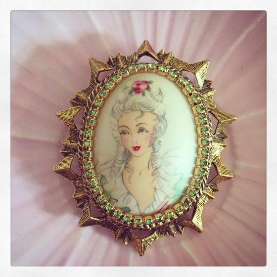 Image of A vintage Crinoline lady brooch