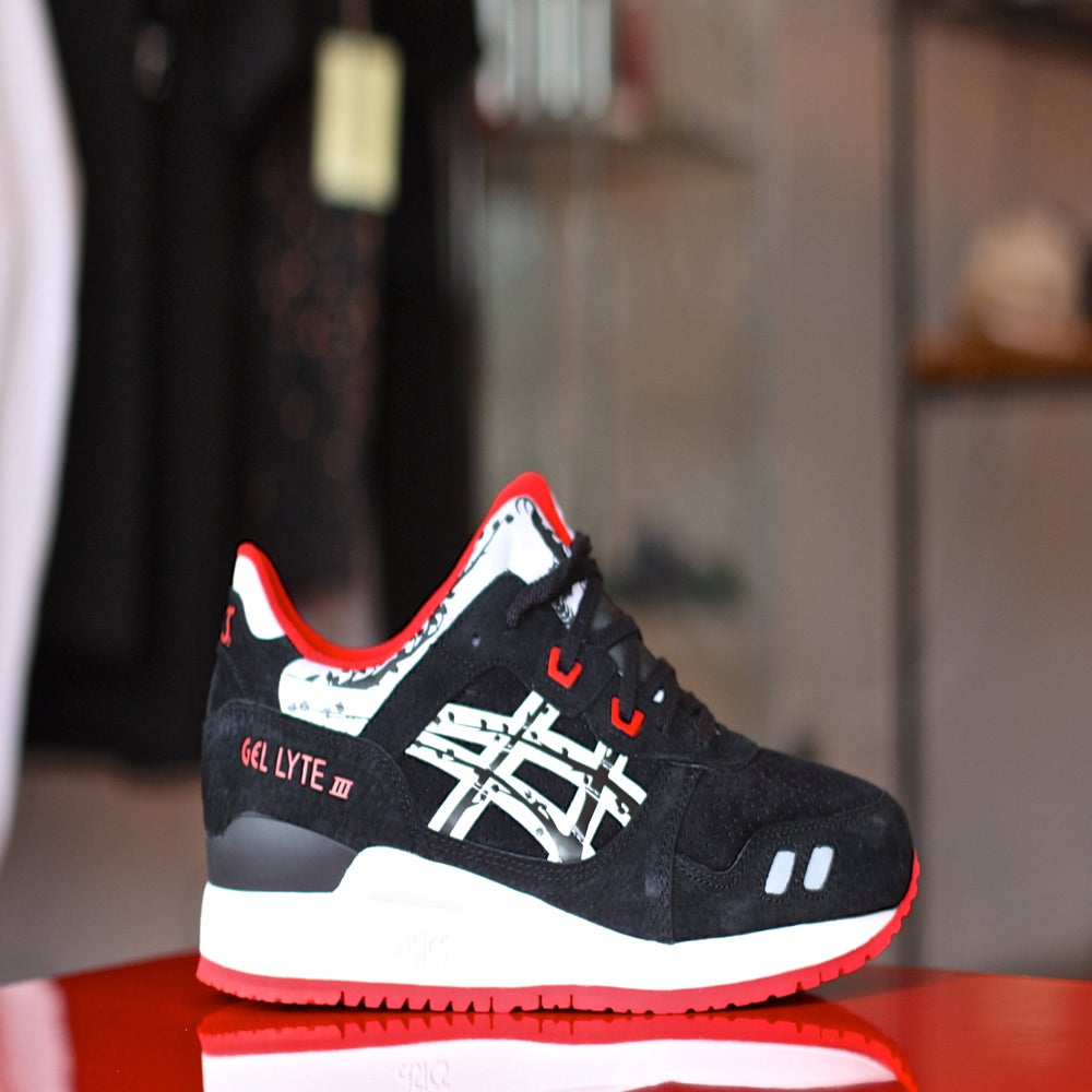 "Image of ASICS GEL LYTE 3 X TITOLO 25TH ANNIVERSARY ""PAPER CUT"" H50VK 9001"