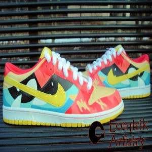 "Image of ""Facial Features"" Dunk Low (1-of-1)"