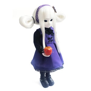 """Image of *NEW* 14"""" 'Viere Limited Little Apple Doll"""