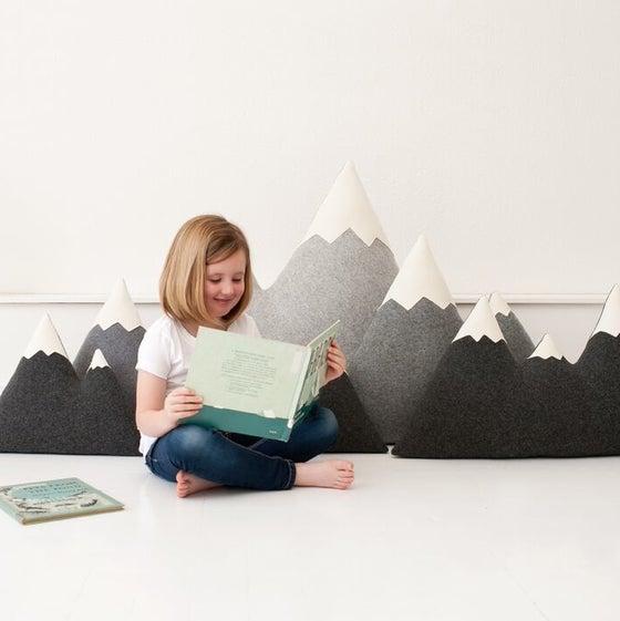 Image of LARGE - XXLARGE mountain pillows