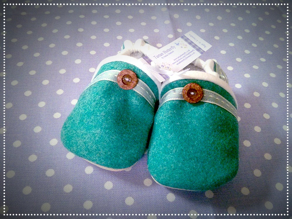 Image of Moon Wool Baby Shoes - Jade Green Plain Unisex