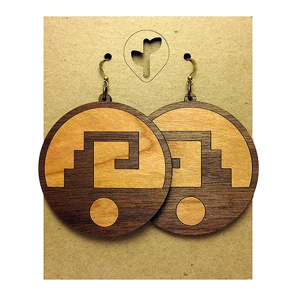 Image of chimalli II / earrings / wood