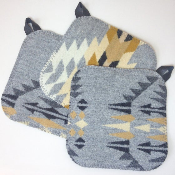 Image of Western Wool Potholder - Gray