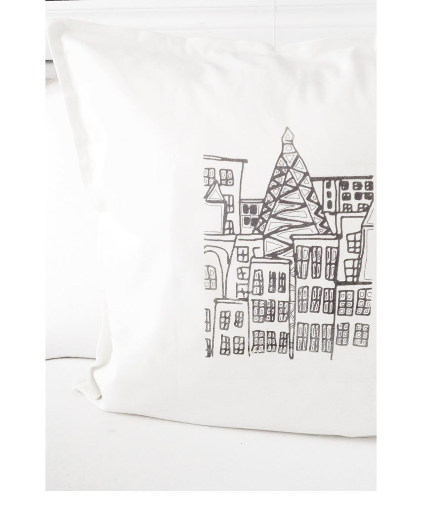 "Image of  ""FACADE"" CUSHION COVER (WHITE/BLACK)"