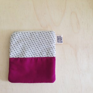 Image of gray polka dot & raspberry, vertical pouch