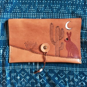 Image of Red Hare Clutch