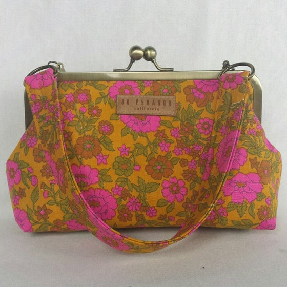 Image of the EVE bag in collection no. 005
