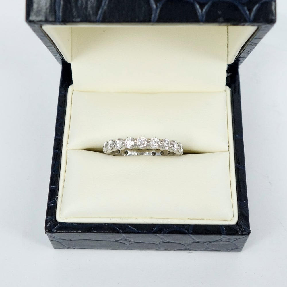 Image of PJ4817 18ct white gold full circle share claw eternity band