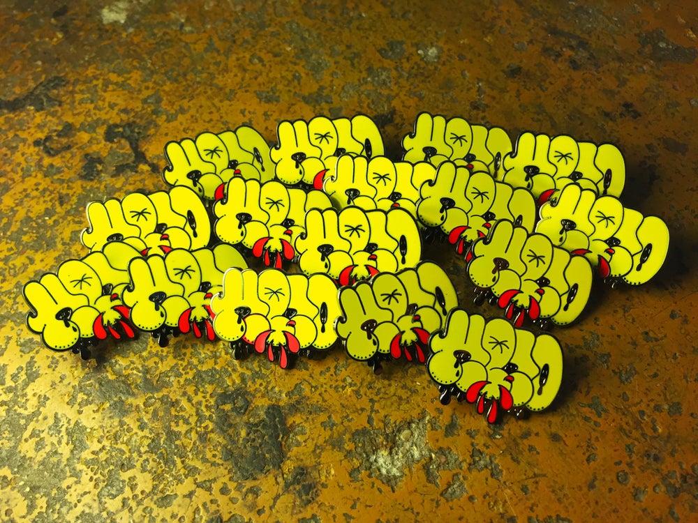 Image of KENO X SYDNEY PINNERZ — YELLOW THROW-UP PIN