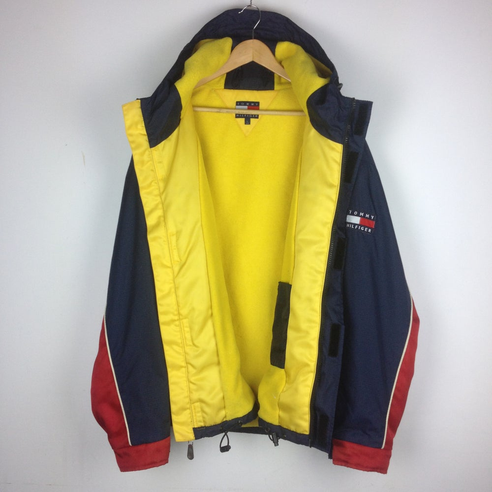 Image of TOMMY HILFIGER JACKET. SIZE L/M