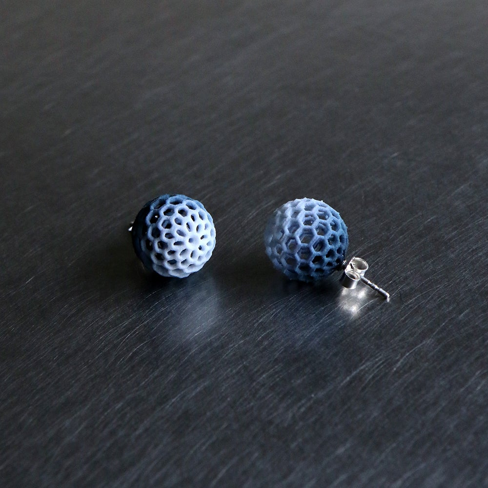 Image of 3D printed earrings Delft Blue