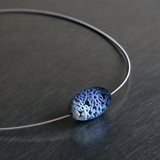 Image of 3D printed bead Delft Blue