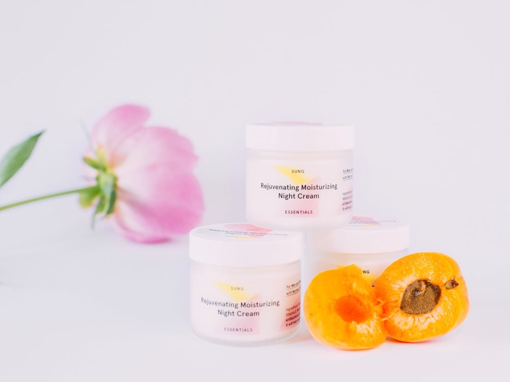 Image of Apricot Rose Rejuvenating Moisturizing Cream